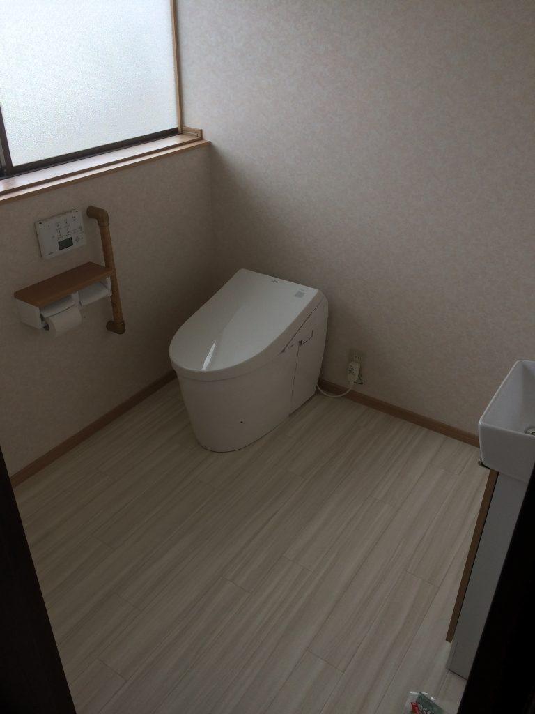 トイレ改修、フローリング貼工事【10048】