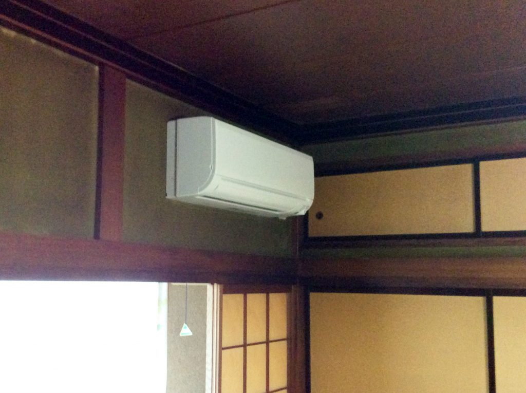 高岡市 エアコン取付工事【10073】