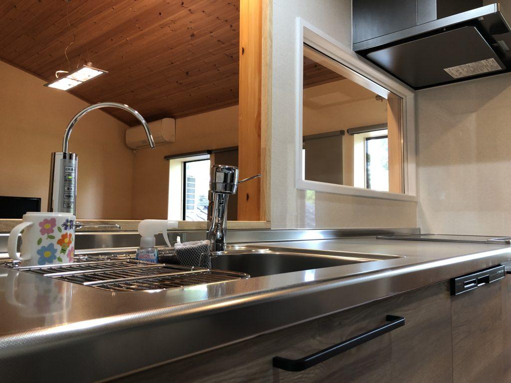 砺波市 キッチン改装工事、トイレ・シャワーブース移設など【10141】
